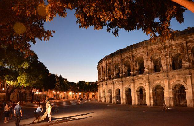 Visite Nîmes au clair de lune