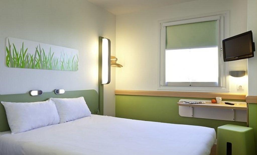 ibis budget n mes centre gare office de tourisme et des congr s de n mes. Black Bedroom Furniture Sets. Home Design Ideas